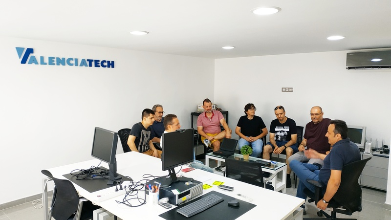 Members of the local GNU-Linux group meet at the Valenciatech office.